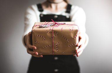 Cadeaux de Noël en entreprise : nos meilleures idées cadeaux pour vos salariés